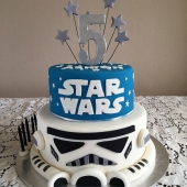 Star Wars 2 tier (40 serves) $220
