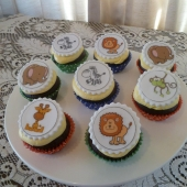 Zoo Animal Cupcakes $60 (per dozen)