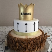 Tree Stump Crown Cake (40 serves) $230
