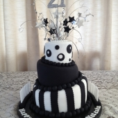 Black & White Topsy Turvy (60 serves) $300