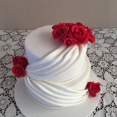 Red Roses Swag Cake (40 serves) $250