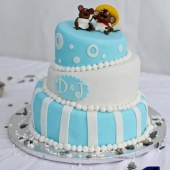 Blue & White Topsy Turvy (75 serves) $450 excluding figurine